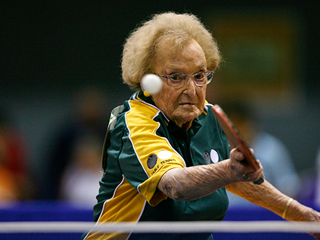 A kép csak illusztráció, a hölgy 99 éves, és ausztrál