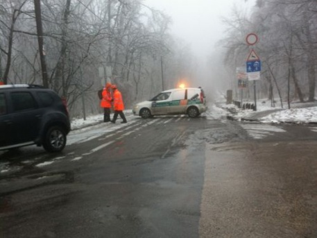Az ónos eső miatt lezárták a Normafánál az erdőt (fotó: ittlakunk.hu, Kelemen Maja)