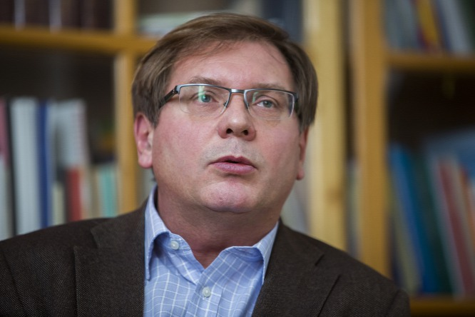 Fabiyi Tamás püspök, az esemény házigazdája (fotó: oirigo.hu)