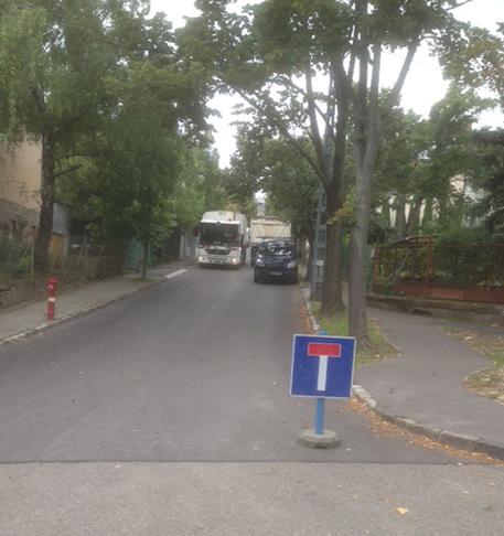 Csőtörés a Szánkó utcában (fotó: ittlakunk.hu)