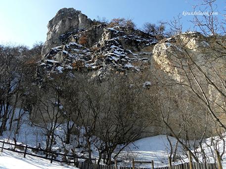 A Tündér-szikla, fotó: kirándulások.com, nem idei kép