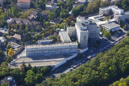 A Kútvölgyi Klinikai tömb (forrás: legifoto.com)