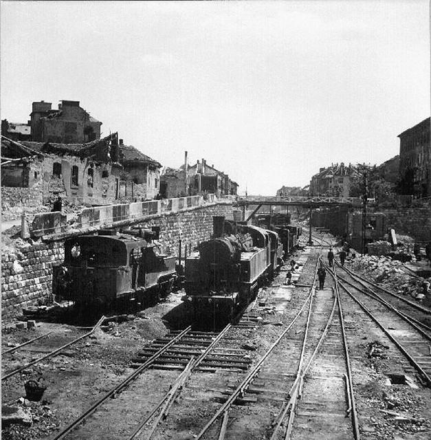 A Márvány utcai vasúti híd 1945-ben